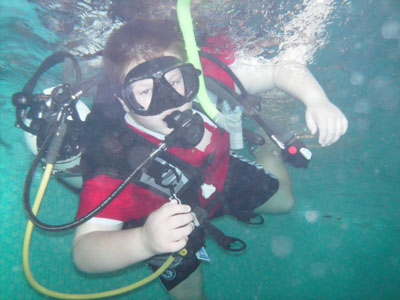 Explorer Scouts from the 6th East Kilbride trying out Scuba Diving
